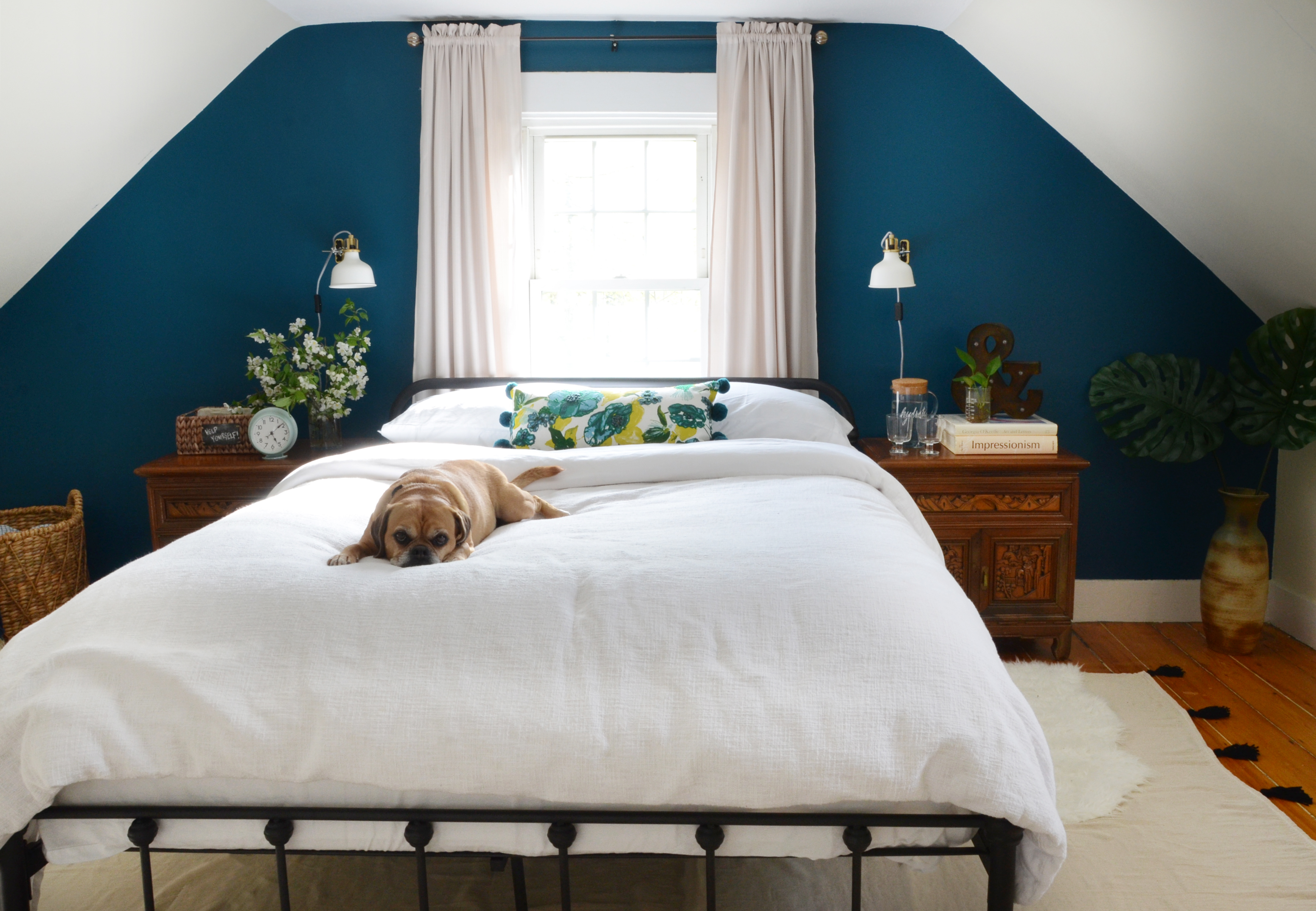 One Room Challenge Turquoise Blue and White